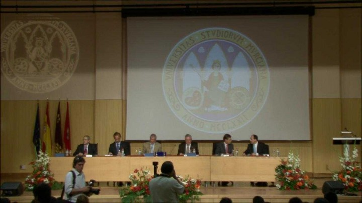Imposición de Becas y Clausura del XXV Aniversario de la Facultad de Informática