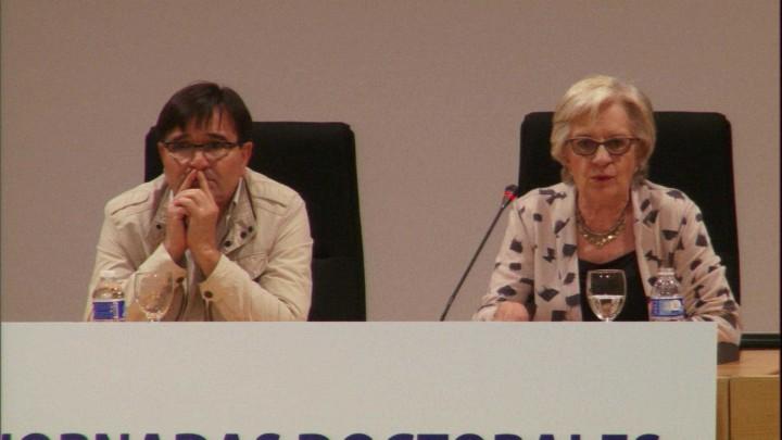 """5. Conferencia Plenaria """"La  investigación en ciencias humanas: una investigación solitaria"""""""
