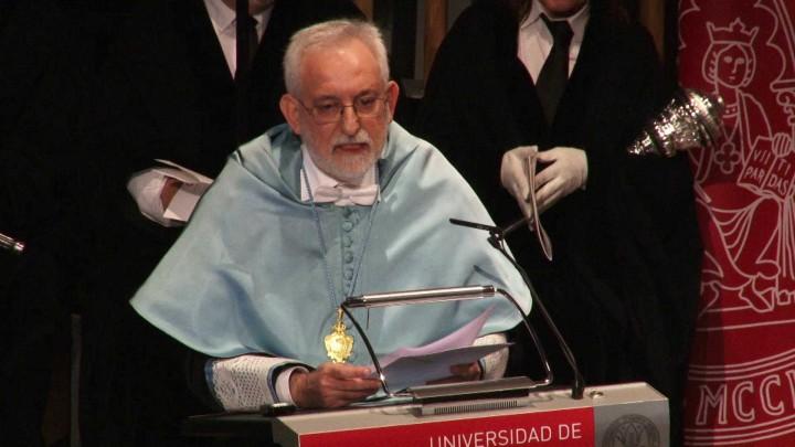 Inicio del acto y presentación del código ético de la Universidad de Murcia