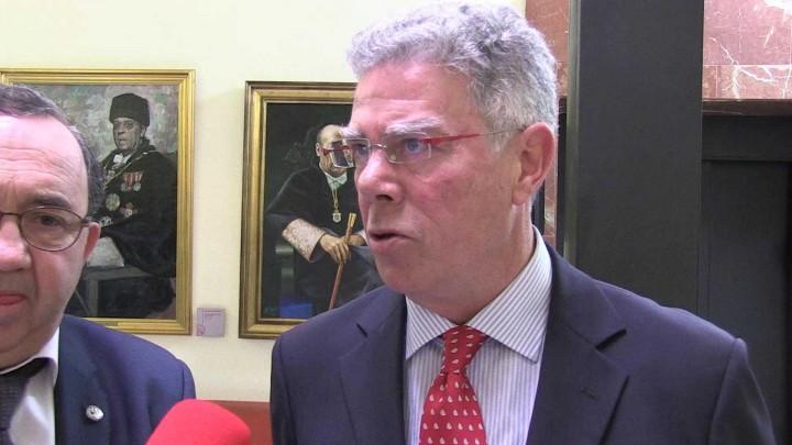 - Firma renovación convenio de Cátedra SAES:
