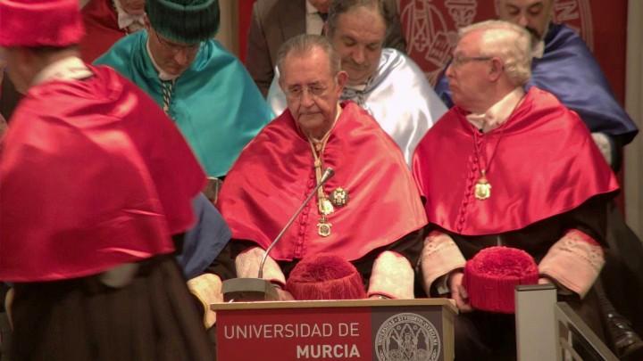 Solemne acto de investidura como Doctor Honoris Causa del Excmo. Sr. D. Raimundo González Frutos