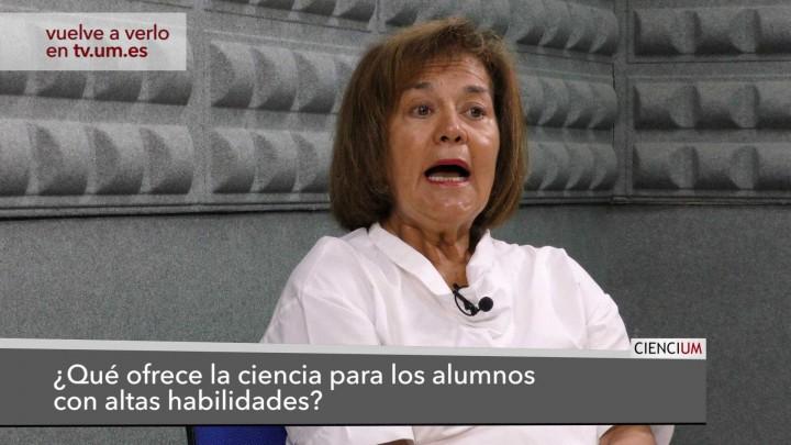 María Dolores Prieto Responde 2
