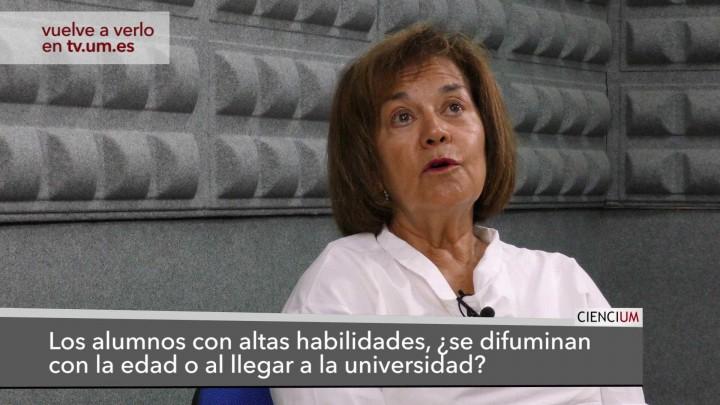 María Dolores Prieto Responde 4