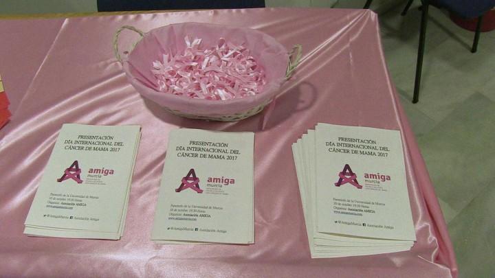 Acto de presentación de la campaña del día internacional del cáncer de mama