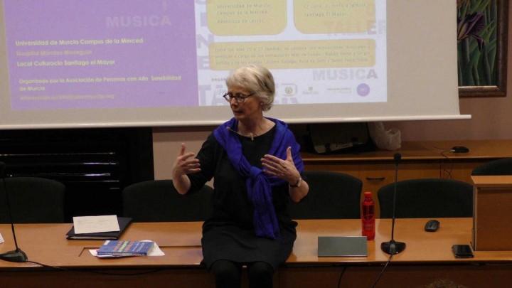conferencia Karina Zegers de Beij Debate