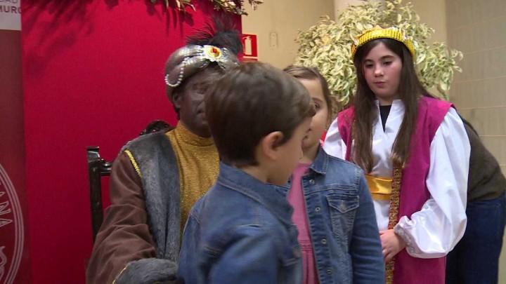 Los Reyes Magos visitan la UMU