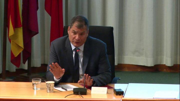 conferencia D. Rafael Correa, Preguntas