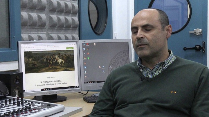 Hoy hemos hablado con el profesor Jerónimo Molina, que ha recibido el premio Luis Diez del Corral