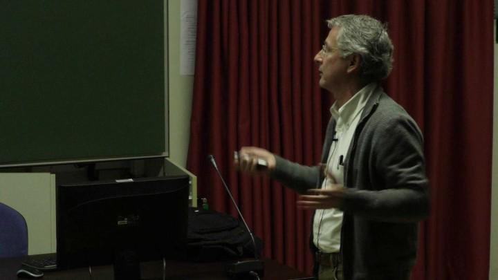 El polinomio de Bernstein de una singularidad