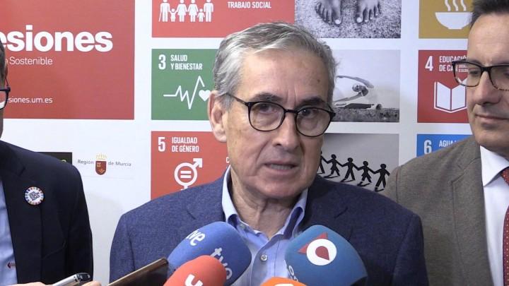 Ramón Jáuregui ofrece una charla sobre responsabilidad social empresarial