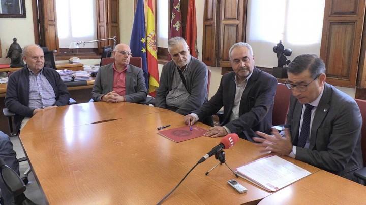 La UMU y la Asociación Atalaya de Cieza han firmado un convenio de colaboración
