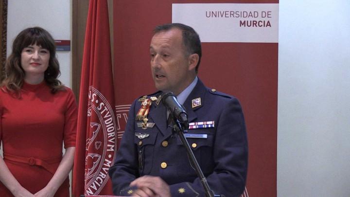 Miembros de la Academia General del Aire visitan la Universidad de Murcia