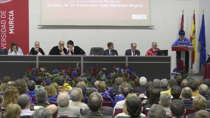 Solemne investidura como Doctor Honoris Causa del Excmo. Sr. D. Francisco Juan Martínez Mojica