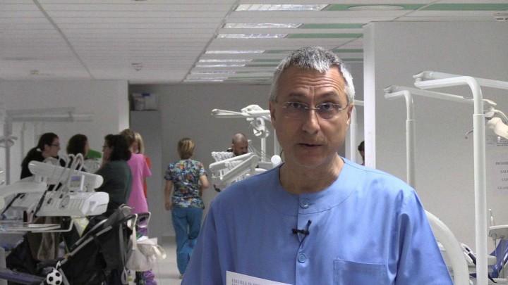 La Clínica Odontológica de la Universidad de Murcia se llena los martes de bebés