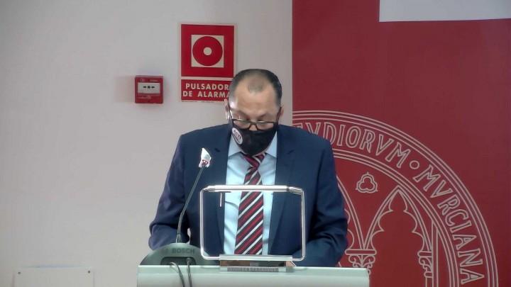 Homenaje al profesor Alberto Barba Navarro