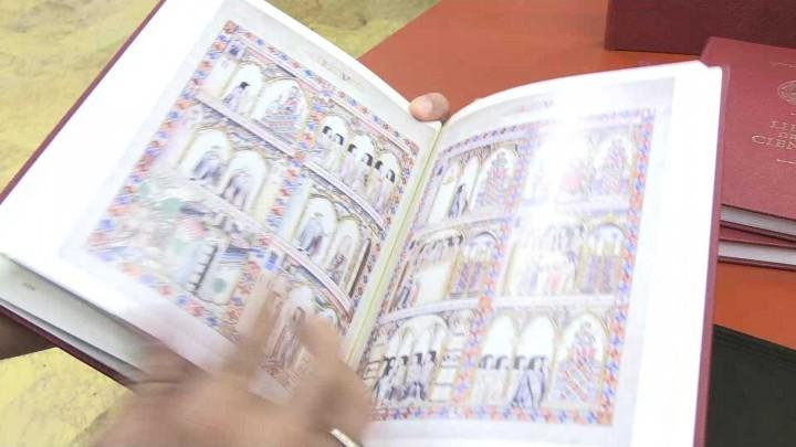 La Universidad de Murcia presenta su nuevo 'Libro de la Ciencia'