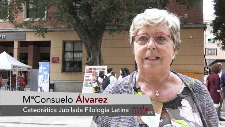 La UMU homenajea a la profesora Consuelo Álvarez con un acto muy emotivo