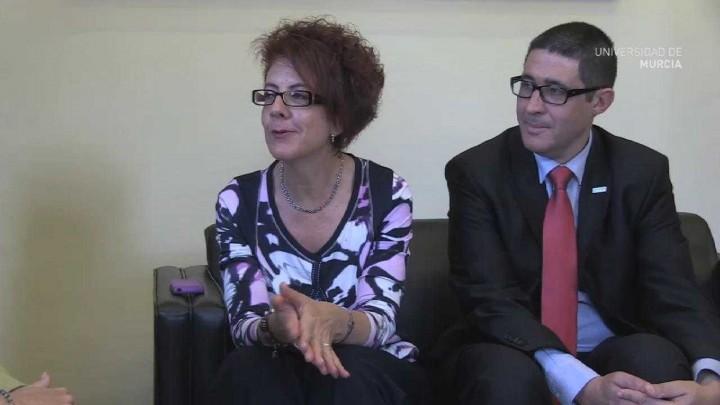 Almudena Muñoz visita la UMU
