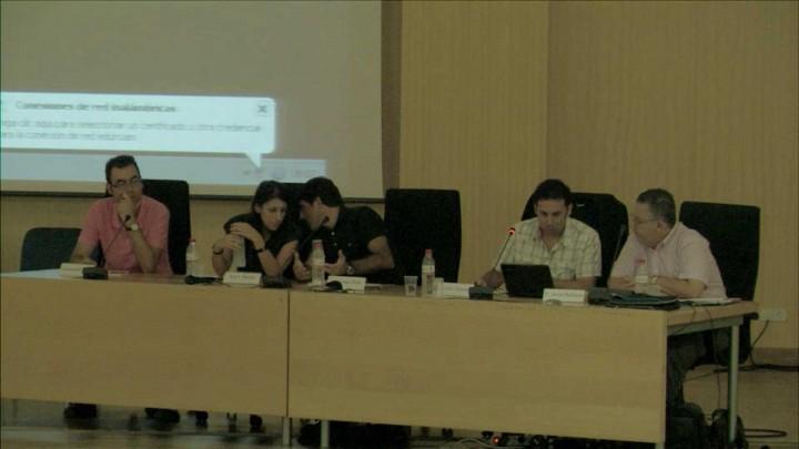 Mesa Redonda: Redes sociales, medios de comunicación y la imagen de los jóvenes