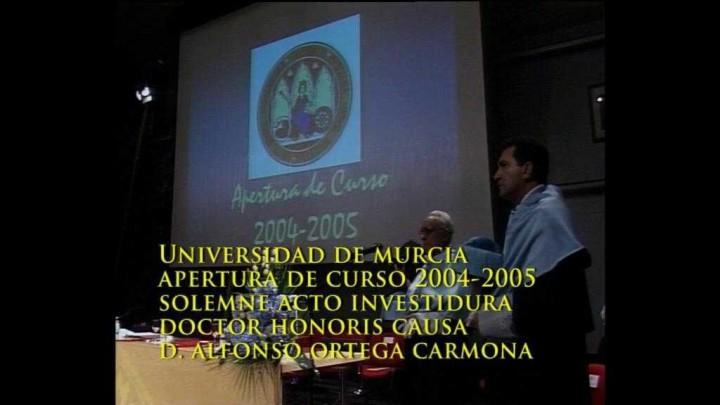 Apertura Curso e Investidura Doctor Honoris Causa Alfonso Ortega 2004
