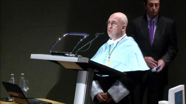 Entrega de Medallas a la Dedicación Universitaria y a entrega de la  Medalla de Oro al Sr. D. Clemente García García